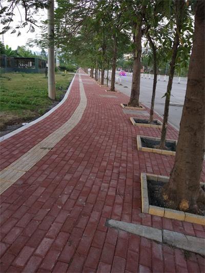 怎样预防彩色路面砖在使用中出现问题?